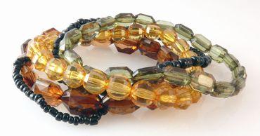 Armbandset 5-tlg. Perlenarmbänder in 4 Farben Armbänder Set Trachtenschmuck – Bild 1